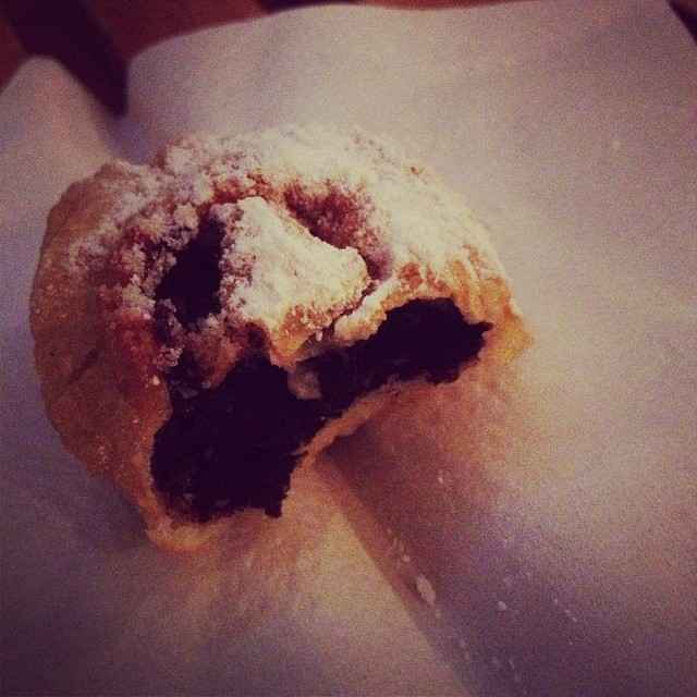 a deep fried Oreo courtesy of When Mac Met Cheese