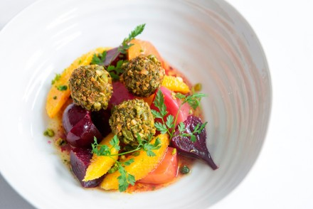Beetroot-and-goats-cheese-salad-with-pistachios-and-orange-low-res