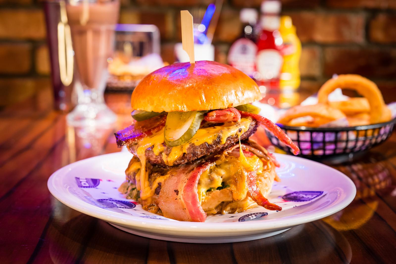 diner-double-diablo-burger-pwf-0085